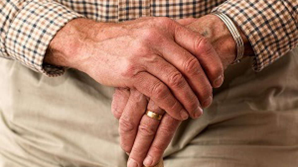 la depression chez les personnes agees Signes, symptômes et traitements